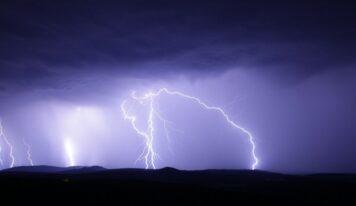 Έκτακτο δελτίο καιρού: Έρχονται βροχές και θυελλώδεις άνεμοι