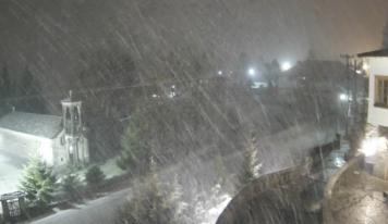 Live εικόνα: Έντονη χιονόπτωση τώρα στο Μέτσοβο