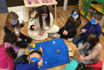 Ιωάννινα: Παιδιά του νηπιαγωγείου δίνουν συγκινητικό μήνυμα για τους ωκεανούς και τα ζώα υπό εξαφάνιση